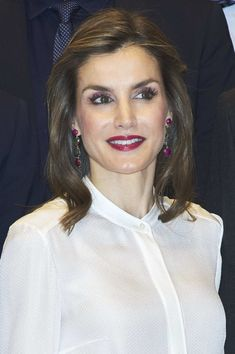 Queen Letizia of Spain Photos Photos - Queen Letizia of Spain visits Zeta Group on its 40th anniversary on December 12, 2016 in Madrid, Spain. - Spanish Royals Visit Zeta Group on Its 40th Anniversary