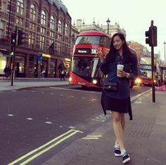 f(x) leader Victoria Strolls Through The Streets Of London