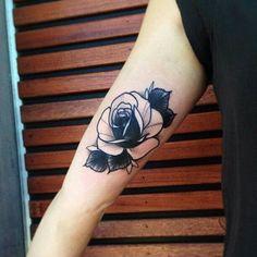 tattoo black rose tattoodesign