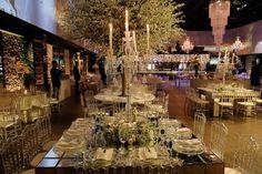 Casamento clássico: Thais & Marcos - Inesquecível Casamento Wedding Reception Decorations, Table Decorations, Table Settings, Classic, Classic Wedding Decor, Wedding Things, Weddings, Wedding, Future