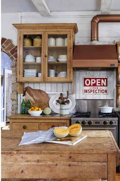 Farmhouse Kitchens with Charm & Function - Knick of Time at KnickofTime.net