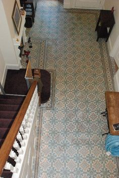 A large Art Nouveau entrance hall in Dulwich, London Hall Tiles, Tiled Hallway, Entry Stairs, Entry Hallway, Hallway Ideas, Best Flooring, Flooring Ideas, Art Nouveau, Hallway Inspiration