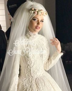 The existing wedding dresses 2019 contains a dozen different dresses in the modern Boho style. Several wedding dresses are two-piece with a contemporary Top or prime top, mixe Muslim Wedding Gown, Muslimah Wedding Dress, Muslim Wedding Dresses, Muslim Brides, Wedding Dress Sleeves, Wedding Party Dresses, Designer Wedding Dresses, Bridal Dresses, Header Design