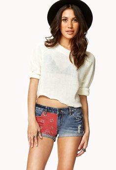 Wat een leuke korte broek van de Forever21 met bandana print! Dit leuke broekje is nu ook nog eens in de uitverkoop! #dames #mode #spijkerbroek #jeans #shorts #denim #women #fashion #sale