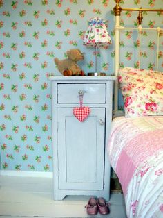 Tall and narrow. Drawer for personal effects. Tiny cabinet for books. Pink Bedroom For Girls, Cool Kids Bedrooms, Fashion Room, Kid Spaces, Dream Bedroom, Cottage Chic, Girl Room, Shabby Chic, Inspiration