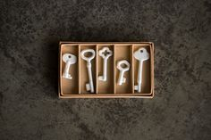 ceramic keys by Kuntaro Abe