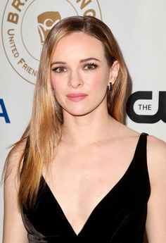 Danielle Panabaker - CW's United Friends of the Children Dinner in LA Danielle Panabaker Style, Outfits and Clothes. Celebrity Updates, Celebrity Beauty, Killer Frost, Healthy Women, Young Models, Beautiful Long Hair, Beautiful Women, Gal Gadot, Queen