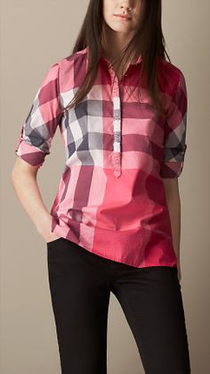 Burberry women's shirts and tops refined through pattern and proportion, in silk and cotton. Camisa Burberry, Flannel Shirt Outfit, Western Tops, Cotton Tunics, Kurta Designs, Western Outfits, Blouse Styles, Silk Top, Nice Tops