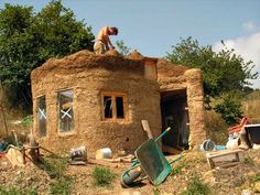 Lloyd's Blog: Small Cob House in Northern Spain