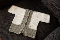 Ravelry: Sue's No holes Hexagon Baby Sweater pattern by Cozy's Corner