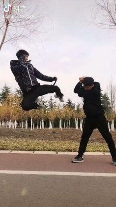 Subscribe to @master.of.martial.arts to not miss future interesting videos:) #ninja #naginata #shinobi #assasin #warrior #katana #blade #ironfist #irinleg #kungfuworld #kungfupanda #kungfulife #kungfu #wushu #kungfufashion #kungfustyle #sifu #chinamartialarts #kungfumaster #martialarts #shaolinkungfu #wushulife #wudanglife #lifestyleofawarrior #wushu #buuwushu #shaolin #shaolintemple Self Defense Moves, Self Defense Martial Arts, Karate, Martial Arts Techniques, Self Defense Techniques, Summer Body Workouts, Gym Workout Tips, Martial Arts Workout, Martial Arts Training