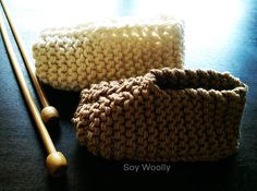 Teje botitas, patucos, zapaticos, escarpines...el patrón más fácil y rápido! | Soy Woolly Baby Crafts, Merino Wool Blanket, Straw Bag, Knit Crochet, Projects To Try, Baby Boy, Knitting, Pattern, Bags