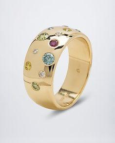 Facettenreich Goldring mit Multi-Brillant hier online #Edelstein #schmuck von #sognidoro #facettenreich mit #René #Conradt #sogni #doro #classic mit #Frank #Hartenberger und #silberzeit mit #Ute #Wohlfart auf #HSE24 #colored #gemstone #jewelry Gold Rings Jewelry, High Jewelry, Modern Jewelry, Jewelery, Unique Jewelry, Mommy Jewelry, Heart Jewelry, Gold Wedding Rings, Diamond Design