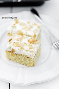 Ciasto 'tres leches' czyli ciasto mleczne Three Milk Cake, Vanilla Cake, A Food, Delicious Desserts, Cheesecake, Food Porn, Sweets, Baking, Polish Language