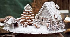 pernikova chaloupka sablona - Gingerbread house Christmas Themed Cake, Pink Christmas, Christmas Baking, Christmas Themes, Holiday Crafts, Christmas Holidays, Gingerbread Village, Gingerbread Decorations, Christmas Gingerbread House