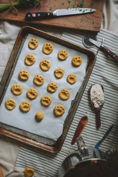 10 Homemade Treats For Your Cat - Tuna and Cheddar Cat Crisps
