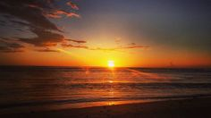 #sunset #reunionisland #974 #lareunion #plage #beach #lermitage #samemelebon #dayoff #firstpost by tahina_patrick