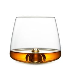 Das Whiskey Glas - von Norman Copenhagen ansprechend neu interpretiert. Ein Muss in jeder Bar.