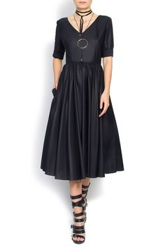 Cloche' black midi dress has been made from cotton-poplin. The ultra flattering silhouette nips in at the waist falling to a softly pleated skirt. Short Sleeve Dresses, Dresses With Sleeves, Midi Dresses, Love Couture, Poplin, Dress Making, Dresses For Work, Cotton, How To Wear