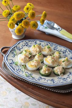 Russian Monday: Cheese & Garlic Salad at Cooking Melangery Best Appetizer Recipes, Great Appetizers, Potato Dumpling Recipe, Eastern European Recipes, Cheesy Recipes, Russian Recipes, Side Recipes, Everyday Food, Summer Salads