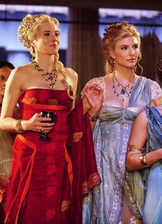 Lucy Lawless & Viva Bianca in 'Spartacus: Blood and Sand' (2010).