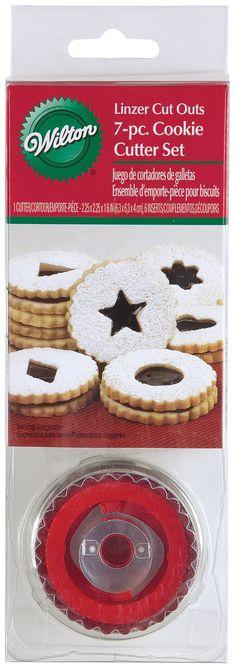 Amazon.com: Wilton 7 Piece Round Linzer Cutter Set: Cookie Cutters: Kitchen & Dining
