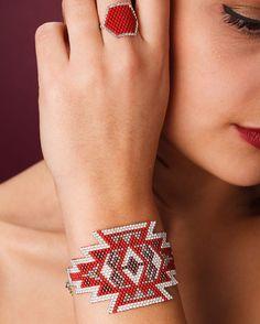 SQUAW red bracelet by ArtisticBracelet on Etsy Seed Bead Patterns, Jewelry Patterns, Bracelet Patterns, Beading Patterns, Seed Bead Jewelry, Beaded Jewelry, Motifs Perler, Woven Bracelets, Beaded Rings