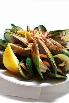 Love the vivid colors of these New Zealand Green-Lipped Mussels