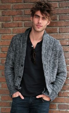 """Men try to play safe when it comes to hairstyles. Wearing the same hairstyles you always did or the sameRead More Must-See Medium length hairstyles for men"""" Jon Kortajarena, Hairstyles Haircuts, Haircuts For Men, Wedding Hairstyles, Romantic Bridal Updos, Portrait Photography Men, Beach Photography, Hair And Beard Styles, Male Beauty"""