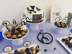 I want this to be my birthday cake TANKS! Grey's Anatomy, My Birthday Cake, Birthday Parties, Medical Party, Doctor Party, Sweet 16, Alaska, Party Themes, Medicine