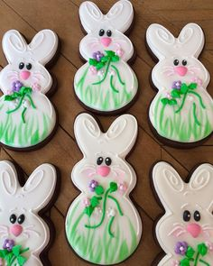 Cute bunny cookies. Credit for the inspiration goes to Jill at Funky Cookies #justdarlicious #eastercookies #cuteeastercookies…