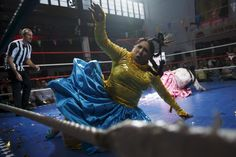 Bolivia's female wrestlers | Reuters.com