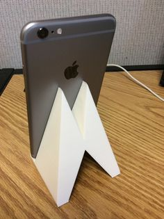 iPhone 6 Plus Stand by Dlarama http://thingiverse.com/thing:502796