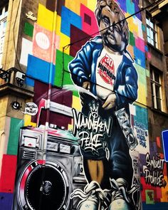 Maneken-Pis mural a somewhat surprising symbol of Brussels #visitbrussels by packsandbunks
