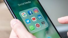 How to Acquire Customers with Social Media - Small Business Trends Digital Marketing Strategist, Marketing And Advertising, Online Marketing, Social Media Marketing, Business Marketing, Power Of Social Media, Social Media Channels, Social Media Tips, Seo Services Company