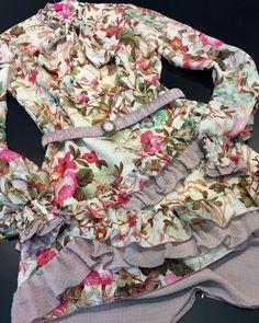 Romantic dress @ymociondesign #dress #fashion @www.ymocion.com Dress Fashion, Romantic, Fashion Design, Dresses, Vestidos, Romance Movies, Dress, Romantic Things, Gown