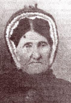 Mary McLennan at Obituaries Australia