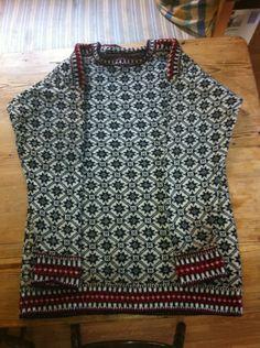 Renoverad estnisk tröja 2013. Nya avslutningar.