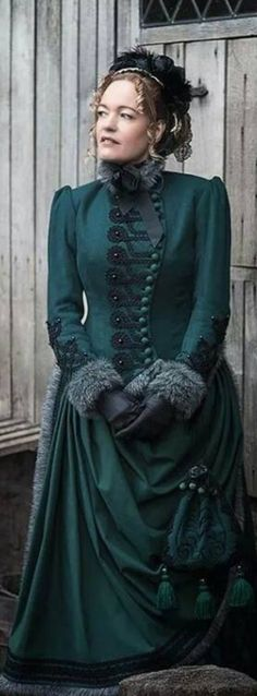 Victorian winter costume ca. 1880, made by Angela Mombers Mehr