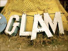 vegas lettering graveyard--I am so going to do this someday!