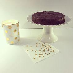 Baked chocolate cake for my friends' birthday.🎁 #cake #sunday #katespade  #ガトーショコラ #ケイトスペード