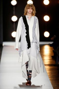 As principais tendências da New York Fashion Week 2016 - NYFW Winter - Semana de Moda de Nova Iorque Inverno - sobreposições - BCBG