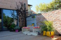 The big outdoor pot Big Garden, Herb Garden, Outdoor Pots, Outdoor Decor, Urban Planters, Green Bag, Flower Beds, Bloom, Herbs
