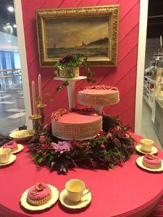 Hot pink weddingcake
