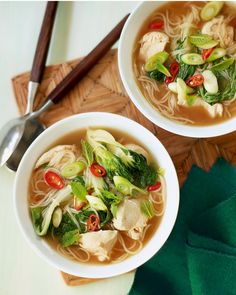 You only need 15 minutes to make our quick, easy version of fragrant Vietnamese pho with chicken and noodles.