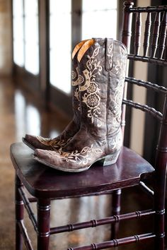 Make sure to get a shot of your wedding boots before you get them on!