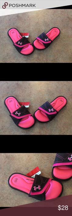 NWT women's under armour Ignite slides New with tags with adjustable Velcro straps Under Armour Shoes Sandals