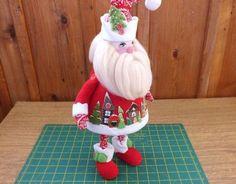 Мастерим Деда Мороза из ткани