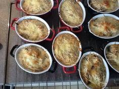noix, crevette, champignon de Paris, oignon, vin blanc, maïzena, crème fraîche liquide, gruyère râpé, chapelure, persil, poivre...