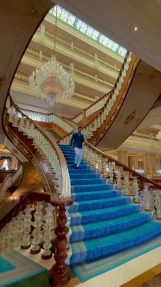 Hotel Design Architecture, Minecraft Architecture, Beautiful Small Bathrooms, Luxury Collection Hotels, Modern Staircase, Hotel Lobby, Luxury Interior Design, Luxury Living, Luxury Homes